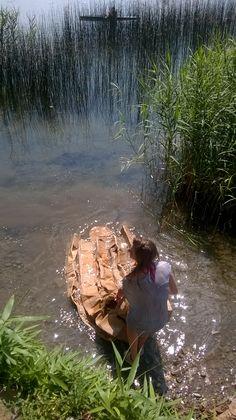 canoa affondata- gara canoe di cartone - lago Pusiano