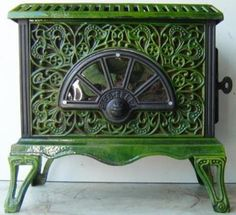 Antique French Stove Co Pied Selle Le Noel green Antique Wood Stove, How To Antique Wood, Art Nouveau, Art Deco, French Furniture, Antique Furniture, French Stove, Stove Heater, Old Stove