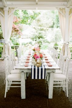 Preppy southern summer wedding reception | Jenna Henderson Photography | see more on: http://burnettsboards.com/2015/04/preppy-summer-garden-wedding/