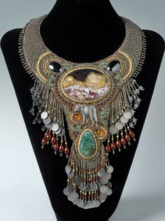 http://bnb.jewelrymakingmagazines.com/~/media/images/Bead%20Dreams/2014/El%20Lobo