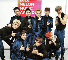 EXO in MMA 2016: MMA TOP 10 ^V^ Kakao Hot Star XD R&B Soul Award (Dream) Best Dance Male Group Netizen Choice TT O TT Artist of the Year (Daesang) XoX – - Congratulations Boys! Well done! Admin Ara —— [161120] EXO-L Staff Diary Update ©®tumblr