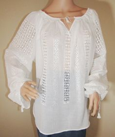 Hand made Romanian blouse in lace . Peasant Blouse, Silk Thread, Hand Sewing, Tunic Tops, Blouses, Hands, Pure Products, Lace, Cotton