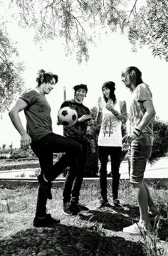 Pierce the veil ^.^