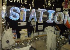 Space Station role-play area classroom display photo - Photo gallery - SparkleBox