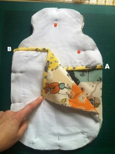 Free pattern: Ruth's hot water bottle cosy