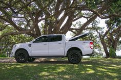 I quite simply am keen on this color selection for this 4x4 Ford Ranger, Hard Tonneau Cover, Car Insurance Rates, Nissan Navara, Toyota Hilux, Tango, Abs, Color, Ideas