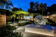 10 Easy DIY Patio Lighting projects you might copy for your backyard spaces Best Outdoor Lighting, Backyard Lighting, Patio Lighting, Exterior Lighting, Lighting Design, Lighting Ideas, Modern Landscaping, Backyard Landscaping, Landscaping Ideas