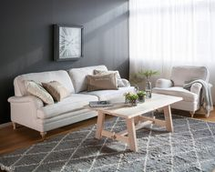 S.O.U.L.-sisustuskonseptin Edmont-sohva ja Copenhagen-sohvapöytä.