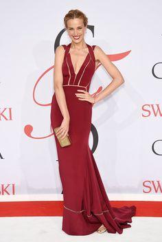 Pin for Later: Seht die schönsten Outfits der Stars bei den CFDA Awards in New York Petra Nemcova in Max Azria Atelier