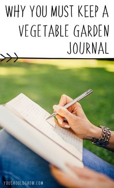 Organic Vegetable Gardening Journaling: why you need a vegetable garden journal - Wondering what the big deal is about keeping a vegetable garden journal? Find out why it's so important and what you're missing if you aren't journaling. Vegetable Garden Planner, Indoor Vegetable Gardening, Starting A Vegetable Garden, Vegetable Garden For Beginners, Organic Gardening Tips, Hydroponic Gardening, Gardening Tools, Gardening Gloves, Herb Gardening