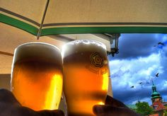 The price of a beer is a good gauge of the overall travel cost of a country (Photo: Hector Rodriquez / Flickr)