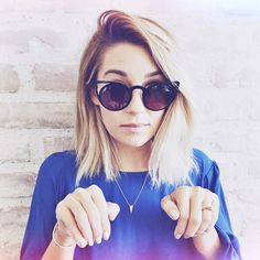 Bravo to the beaut Lauren Conrad for having the chop! Good-Bye long tresses and Hello beautiful beige long bob ready for SS15!