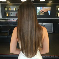 Balayage Clip in hair Extensions color and Full head set of Genuine European human hair, Re-usable guaranteed! by AliveHairExtensions on Etsy Haircuts For Long Hair, Straight Hairstyles, Light Hair, Dark Hair, Honey Brown Hair, Balayage Straight, Human Hair Clip Ins, Brunette Hair, Babylights Brunette