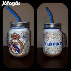 Kínál Egyedi kézműves füles bögre és szívószálas pohár 2 in 1. Real Madrid: Egyedi kézműves füles bögre és szívószálas pohár 2 in 1. Ajándék Real Mad...