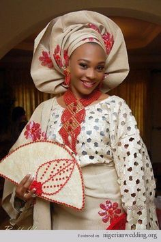 Latest Gele Styles For Naija Brides. These selected gele styles will make brides look stunning and beautiful on their wedding day, no doubt, they are superb. Nigerian Traditional Wedding, Traditional Wedding Attire, Traditional Outfits, Traditional Weddings, Traditional Fashion, African Attire, African Dress, African Style, African Beauty