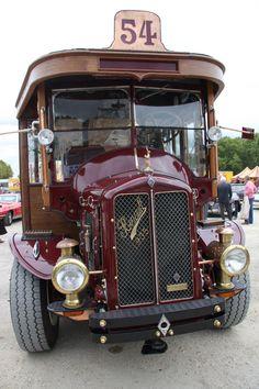 1935 Renault  Bus