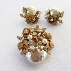 Vintage Miriam Haskell Baroque Faux Pearl Brooch Clip Earrings | eBay
