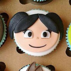 VEM VER >>> 34+ Ideias de Cupcake Show da Luna #Receitas #Ideias #Decoração #ShowdaLuna #Cupcake Cupcake Show Da Luna, Lala, Alice, Cupcakes, Cupcakes Decorating, Parties Decorations, Personalised Sweets, Diy Home, Animated Cartoons