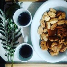 Cafezinho da tarde no escritório da @nanepereira_ hoje... :-)