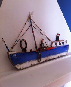 Easy Woodworking Projects Anyone Can Do – Hobby Is My Life Driftwood Sculpture, Driftwood Art, Wooden Ship, Wooden Art, Wood Block Crafts, Driftwood Projects, Boat Art, Wood Bird, Wood Boats