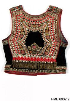 Polish Folk Costumes / Polskie stroje ludowe - Embroidered bodice from Kraków, Poland. Traditional Fashion, Traditional Outfits, Fashion Pants, Boho Fashion, Fashion Design, Polish Embroidery, Balochi Dress, Polish Folk Art, Dress Design Sketches