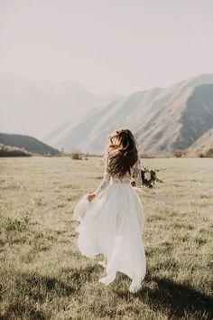 Beautiful wedding photo - Lace wedding dress