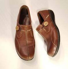 0e629a9dcd10 CLARKS Bendables Brown Leather Size 7.5M Oxford Shoes Flats 35063 Button  Detail