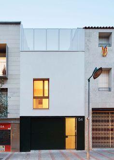 59RUT Nova casa entre mitgeres al Centre de Terrassa - Vallribera Arquitectes