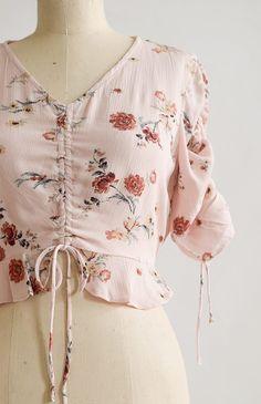 Feminine Vintage Inspired Top / Pretty Boho Floral Top / Polina Floral Top