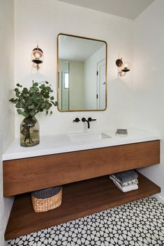A Modern LA Home Mixes California Mediterranean With Art Deco Vibes modern bathroom decor - Modern Decoration A Modern L. Home Mixes California Mediterranean With Art Deco Vibes Scandinavian Bathroom, Modern Bathroom Decor, Bathroom Layout, Simple Bathroom, Bathroom Interior Design, Modern Decor, Bathroom Ideas, Bathroom Organization, Wood Bathroom