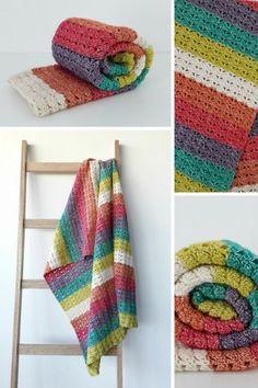 Crochet blanket pattern: Sea Shell Crochet Blanket | Happy in Red ~ paid pattern. Love the color scheme!