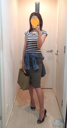 Striped tops: H&M, Denim shirt: H&M, Khaki skirt: Deuxieme Classe, Bag: la kagu, Pumps: Pellico