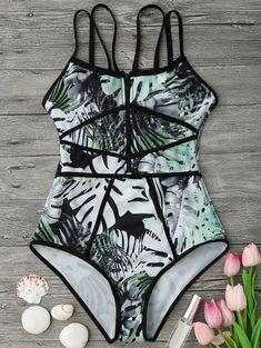 Shop trendy fashion swimwear online, you can get sexy bikinis, swimsuits & bathing suits for women on ZAFUL. Bikini Babes, The Bikini, Bikini Beach, Sexy Bikini, Ropa Interior Boxers, Tankini, Green Swimsuit, Cute Bathing Suits, Swimming Costume