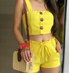 Pin by Loriette Orama on outfit in 2019 Crop Top Outfits, Short Outfits, Trendy Outfits, Cute Outfits, Summer Fashion Outfits, Teen Fashion, Spring Outfits, Indian Fashion Trends, Look Street Style