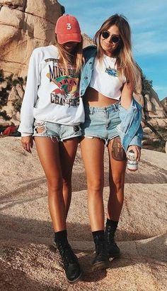 how to wear pairs of denim shorts