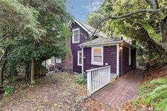 cute craftsman 1906 on double lot. 3902 friday ave, everett