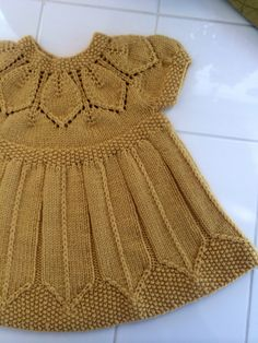 Best 11 Ravelry: aquilterknits' Dottie's Petal Dress Girls Knitted Dress, Knit Baby Dress, Knitted Baby Clothes, Baby Cardigan, Baby Knits, Baby Knitting Patterns, Baby Dress Patterns, Knitting For Kids, Knitting Tutorials