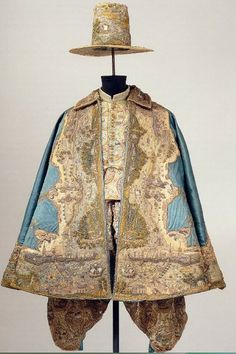 """(Last couple lines from German translation) """"Elector Johann Georg I of Saxony was the ceremonial dress for Christmas 1611 as a gift from his mother, the Dowager Princess Sophie."""" for another beautiful view: http://skd-online-collection.skd.museum/en/contents/showSearch?id=289184#longDescription (scroll top of page) The lovely surprise is that this ceremonial dress outfit is COMPLETELY HAND EMBROIDERED in the design of a map."""