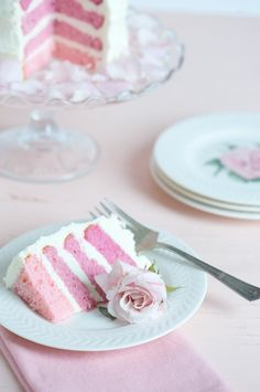 Pink Peony Cake, Garden Parties and Summer Reading