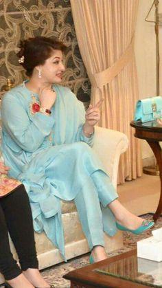 Pakistani Fashion Party Wear, Pakistani Dress Design, Pakistani Outfits, Kurta Designs Women, Salwar Designs, Designer Punjabi Suits, Indian Designer Wear, Edgy Dress, Casual Dresses