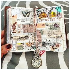 The last weeks have been some what busy so I have really missed my craft time in my passport size Traveler's Notebook. This is the latest spread. Album Journal, Scrapbook Journal, Travel Scrapbook, Art Journal Pages, Journal Notebook, Art Journals, Journal Ideas, Bullet Art, Bullet Journal Art