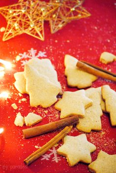 Christmas spirit cinnamon cookies