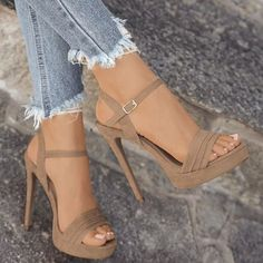 2018 Women New Summer Fashion Casual Peep Toe Sandals Sexy High Heel Sandals Elegant Thick Botton Sandals - Talons - High Heels Outfit, Sexy High Heels, Frauen In High Heels, Womens High Heels, Sandals Outfit, Studded Heels, Strappy Sandals Heels, Lace Up Heels, Pumps Heels