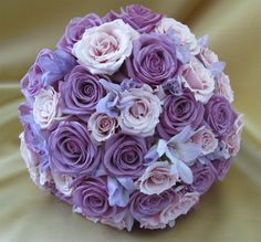 Bridesmaid rose bouquets.
