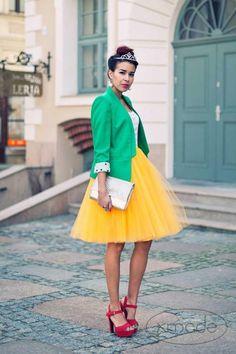 Adult yellow tulle skirt, tutu skirt, petticoat, wedding skirt, custom made to order Skirt Outfits, Dress Skirt, Dress Up, Cute Outfits, Midi Skirt, Yellow Tutu, Modest Fashion, Fashion Outfits, Kleidung Design