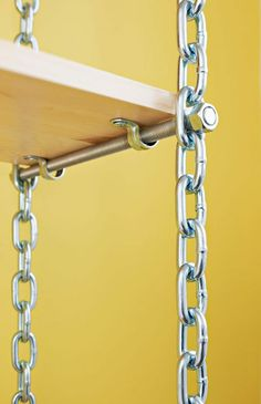 wohnung DIY Wandregal gelbe Wand Holzregale kreative Idee Kette Nagel Acne: Common Illness May Be In Diy Wall Shelves, Wooden Shelves, Room Shelves, Hanging Shelves, Woodworking Projects, Diy Projects, Woodworking Classes, Youtube Woodworking, Woodworking Joints