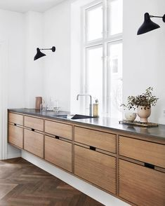 Dark, light, oak, maple, cherry cabinetry and painting wood kitchen cabinets gray. CHECK THE IMAGE for Many Wood Kitchen Cabinets. All White Kitchen, New Kitchen, Kitchen Layout, Awesome Kitchen, Danish Kitchen, Kitchen Paint, Beautiful Kitchen, Long Kitchen, Cheap Kitchen