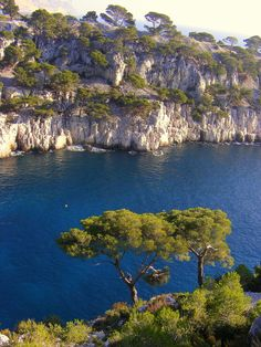 Les Calanques de Cassis, France I would love to hip off that cif just for fun :)