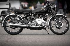 vintage bike of the day: 1951 vincent rapide Vintage Bikes, Vintage Motorcycles, Vincent Black Shadow, Vincent Motorcycle, Biker Bar, Motorcycle Types, Motorcycle Jackets, Bicycle Brands, Love At First Sight