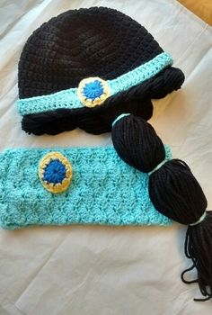 Jasmin inspired hat and scarf